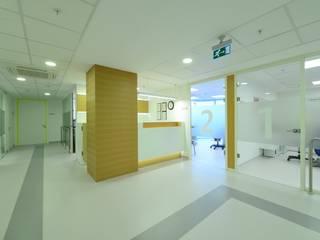 Minimalistische Krankenhäuser von Hiyeldaim İç Mimarlık & Tasarım Minimalistisch