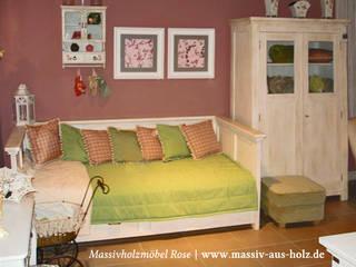 Bett mit Lehne und Schubladen in Weiß :  Wohnzimmer von Massiv aus Holz