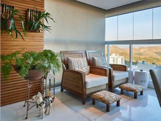 Terrazas de estilo  por Juliana Goulart Arquitetura e Design de Interiores