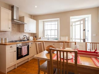 Self Catering Holiday Cottage:  Kitchen by Derek Phillips Photography