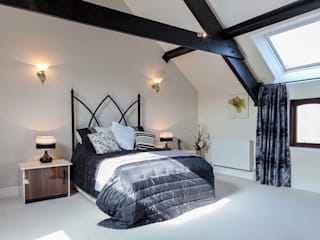 Country House:  Bedroom by Derek Phillips Photography