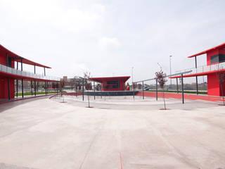 CENTRO DE OCIO Y TIEMPO LIBRE Diseño de ferias de estilo moderno de ESTUDIO DE ARQUITECTURA TORRES Y ASOCIADOS SLP Moderno