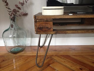 Mueble TV upcycled:  de estilo industrial de MIVART, Industrial