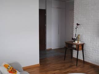 Scandinavian style living room by IN STUDIO PRACOWNIA PROJEKTOWA Scandinavian