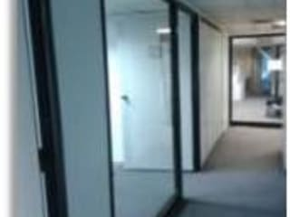 Oficinas y salón para Academia de Estilistas WELLA: Oficinas de estilo  por Constructora G-9