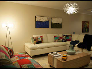 Eclectic style living room by Diseñadora Lucia Casanova Eclectic