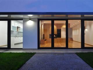 Maisons modernes par INSIDE arquitectura+design Moderne