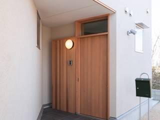 郡山・向作の家: 清建築設計室/SEI ARCHITECTが手掛けた廊下 & 玄関です。