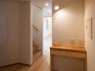 郡山・向作の家 モダンスタイルの 玄関&廊下&階段 の 清建築設計室/SEI ARCHITECT モダン