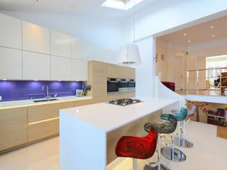 Thorpe Kitchen:  Kitchen by Diane Berry Kitchens