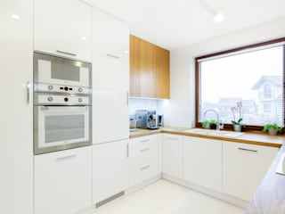 Kitchen by IN, Modern