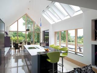 Bent Kitchen:  Kitchen by Diane Berry Kitchens