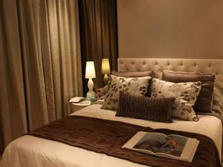 Bedroom designs:  Bedroom by Tanish Design