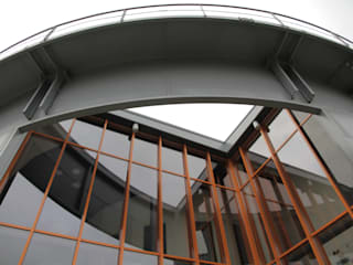 Herbestemming Gashouder:  Kantoorgebouwen door Kat Koree Architecten,