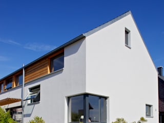 Scandinavian style houses by gondesen architekt Scandinavian