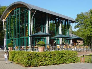 Restaurant à Chevetogne: Maisons de style  par DELTA Architects Belgique