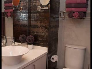 Segundo baño Baños modernos de Diseñadora Lucia Casanova Moderno