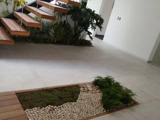 Hogar y Cerámica S.A. de C.V. Couloir, entrée, escaliers modernes Céramique Blanc