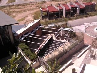 Palillerias ZEN (sistema retractil) para restaurante en Chiluca, Estado de Mexico: Bares y discotecas de estilo  por HLA181026V73