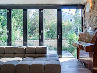 Residential Modern living room by Kukka Modern