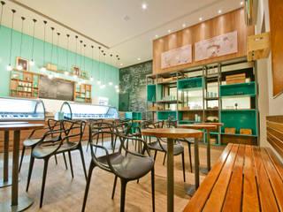 GELATERIA 130M²: Espaços comerciais  por Elisa Vasconcelos Arquitetura  Interiores,Moderno