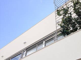 casa C di G'n'B studio Moderno