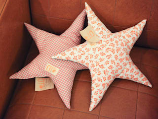 Grande étoile / coussin de décoration  - Photos  Cécile Ingarao:  de style  par Uto