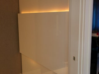 Corridor & hallway by Patrícia Azoni Arquitetura + Arte & Design,