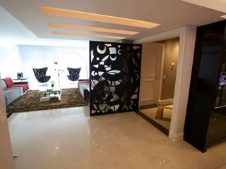 Finestre & Porte in stile moderno di Patrícia Azoni Arquitetura + Arte & Design Moderno MDF