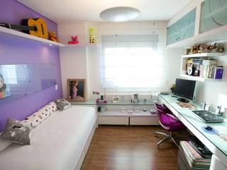 Modern nursery/kids room by Patrícia Azoni Arquitetura + Arte & Design Modern