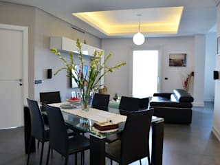 Modern dining room by tizianavitielloarchitetto Modern