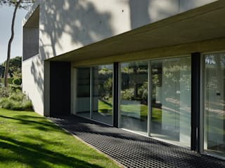 Minimal style window and door by guedes cruz arquitectos Minimalist