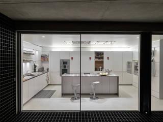 guedes cruz arquitectos Kitchen