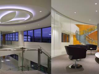 Oficinas herbalife Edificios de oficinas de estilo clásico de Oscar Hoyos Clásico