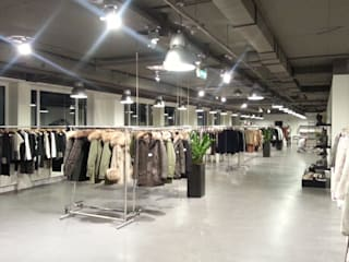 Showroom Düsseldorf Moderne Geschäftsräume & Stores von Architekturbüro Schumacher Modern