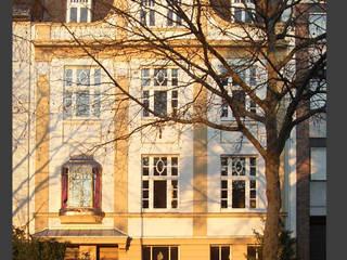 Sanierung und Umbau Mehrfamilienhaus Mönchengladbach, Gründerzeit Klassische Häuser von Architekturbüro Schumacher Klassisch