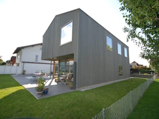schroetter-lenzi Architekten Modern houses Wood Grey