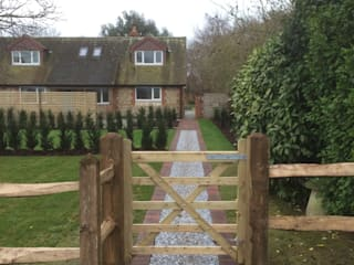 Traditional front garden and driveway : classic Garden by Andy Stedman Landscape & Garden Design