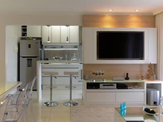 RAFAEL SARDINHA ARQUITETURA E INTERIORES Ruang Makan Modern