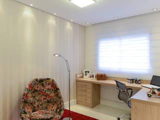 Modern Study Room and Home Office by RAFAEL SARDINHA ARQUITETURA E INTERIORES Modern
