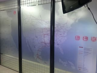 KANSAS CITY: Ventanas de estilo  por Liferoom