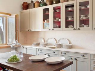 Cocinas de estilo  por SA&V - SAARANHA&VASCONCELOS
