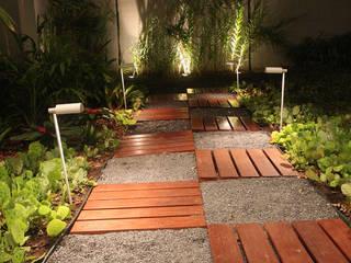 Res. Aguá Cristal 23: Jardins  por L+A Arquitetura de iluminação