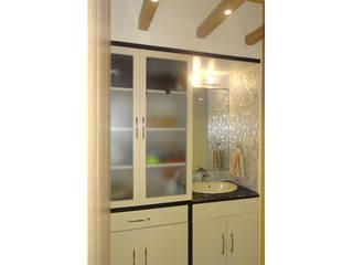 UNIQUE DESIGNERS & ARCHITECTS Modern kitchen