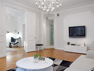 Molduras:  de estilo  por Escuadra Arquitectura C.A