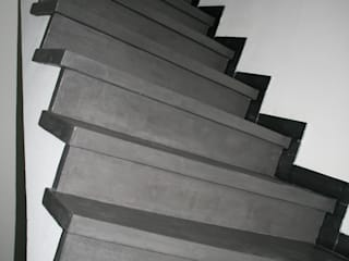 Treppe nachher:  Flur & Diele von Ihre Holzmanufaktur