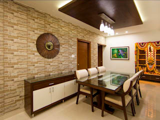 Dinning Area:  Dining room by ARK Architects & Interior Designers