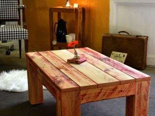 Table basse rouge en palette par Paul H - Artéfacts Moderne