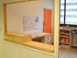 Banque d'accueil Espaces de bureaux modernes par Paul H - Artéfacts Moderne