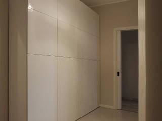 Couloir et hall d'entrée de style  par CPstudio46